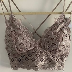 NWT! Anemone Lace Crochet Padded Neutral Bralette